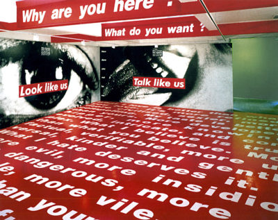 Barbara Kruger, vue de l'exposition «Wall to Wall», Serpentine Gallery, Londres, 1994